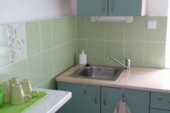 Malá kuchyňka k dispozici